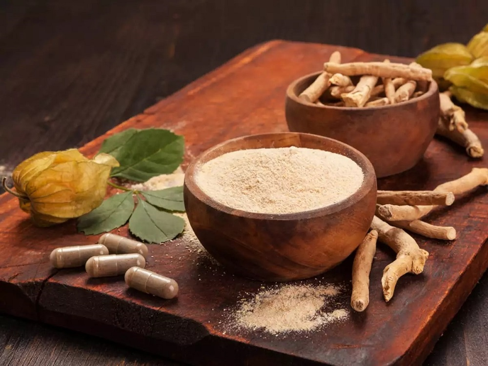 ashwagandha pills and root powder